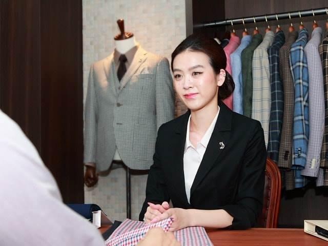 スーツ 女性 社長 オーダー